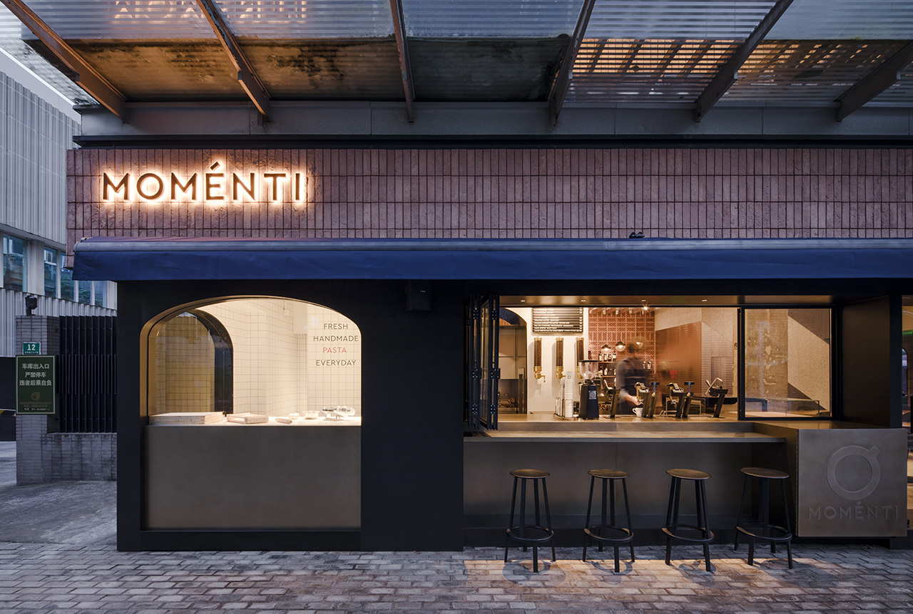 MOMENTI 2.0 opening